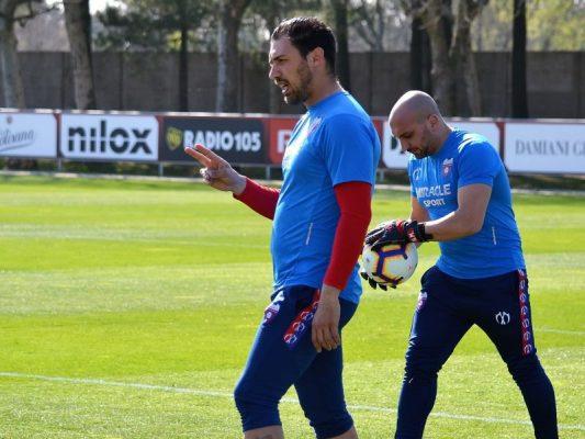 BCL, Chiasso, Lorenzo Colombo: «Ci manca la quotidianità, ma ne usciremo rafforzati. E il migliore che ho allenato è…»